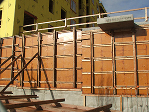 High Density Overlay (HDO) Plyform concrete forming panels