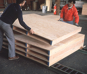 solid-deck engineered wood pallets