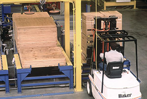 Plywood pallets in materials handling applications